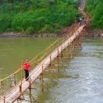 Bambusbrücke zum Dayen Sabai