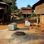 Särge im Katu Village