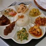 Nasi Campur (Indonesische Platte) im Breeze at the Samaya