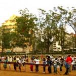 Xylophon spielende Jugendgruppe