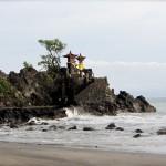 Der Pura Batu Bolong in Senggigi (Lombok)